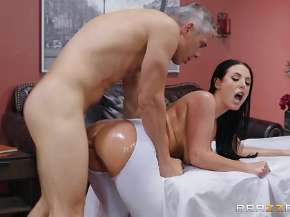 Busty wife tries the masseur for a wild fuck