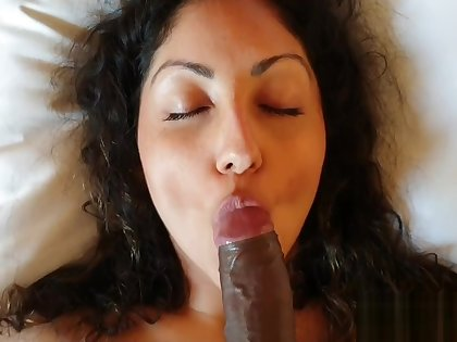 Indian escort model bares her sexy body and gets creampied in hotel room
