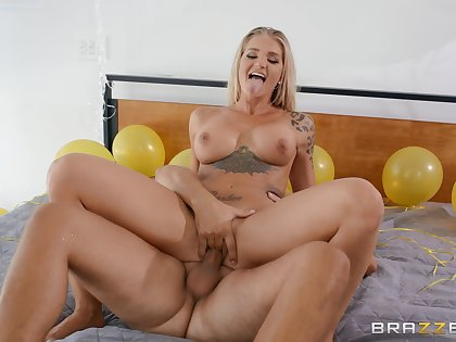 Busty milf tries cock thither hardcore and she loves it