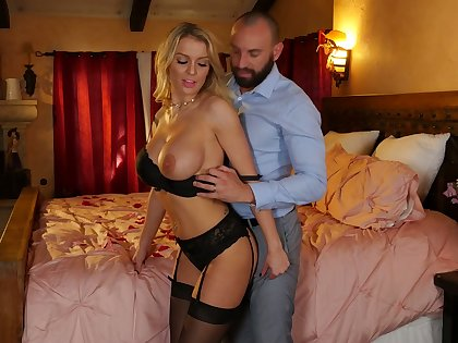Alluring sexy eleemosynary MILF Kenzie Taylor loves perfect doggy fuck daily