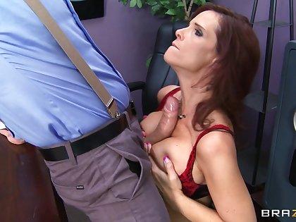 Brunette pornstar Syren De Mer fucked in circa holes by a successful cock