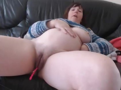 Bbw Huge Tits Milf Close Up Pussy Dildoing And Masturbating