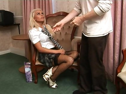 Nice quickie screwing anent cock hungry blondie Caprice Jane