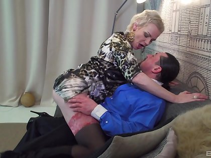 Dude with a Cyclopean detect fucks his horny mature housewife Elena