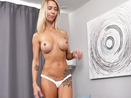 Busty MILF regarding perky nipples has a toned bod and she loves masturbating