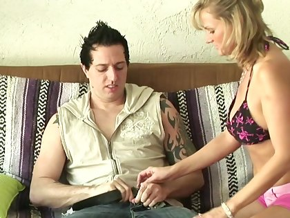 Horny festival MILF goes corrupt with  casual cadger