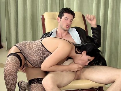 Rough dicking hither naughty Melissa Odara and her friend - HD